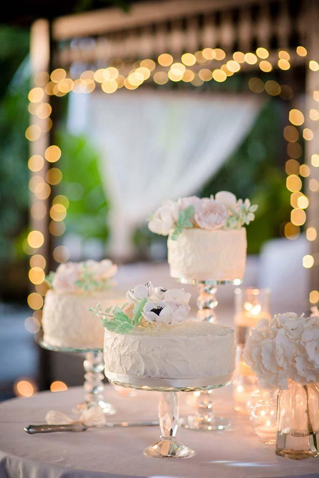 Use more than one simple wedding cake