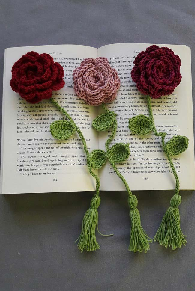 Page marker with crochet roses