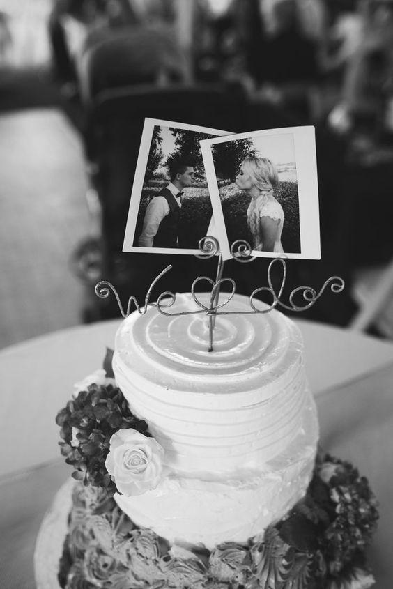 Customize the simple wedding cake with couple photos