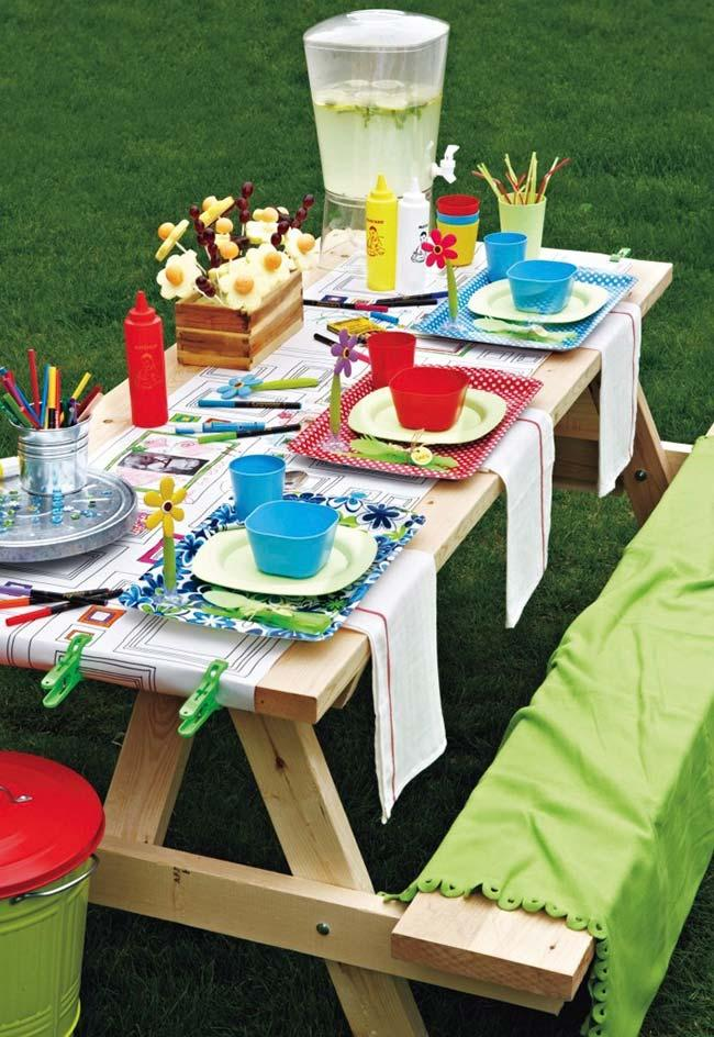 Simple outdoor party
