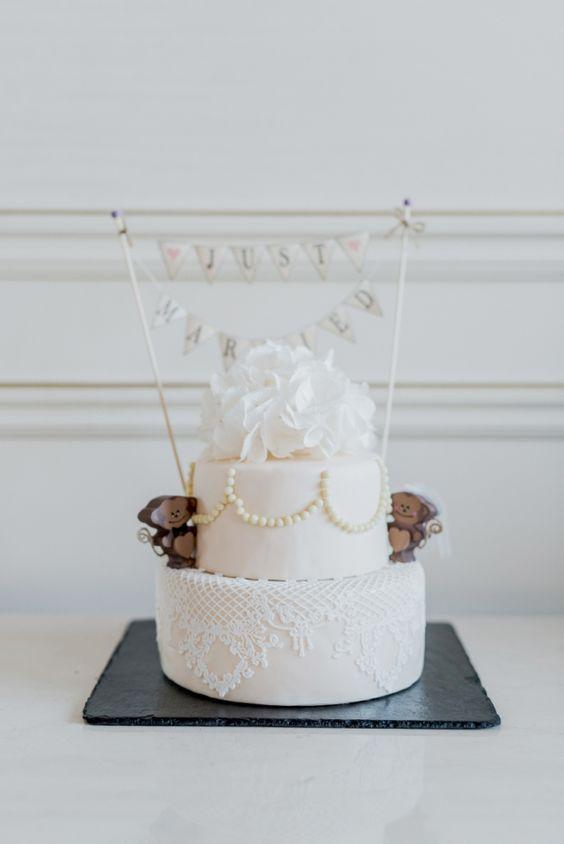 Simple wedding cake decorated with American paste