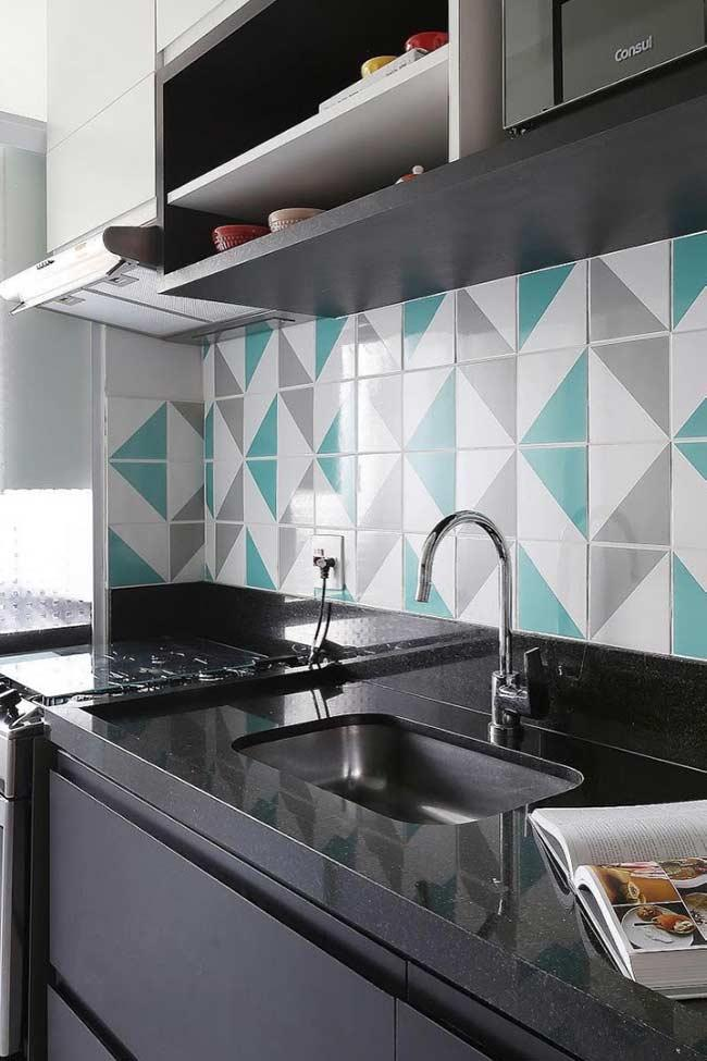Tiffany blue tiles: trend in decoration