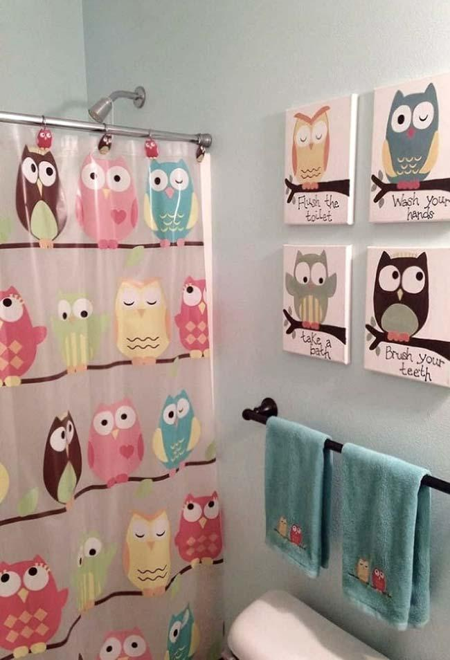 Comics of little owls complementing the decor