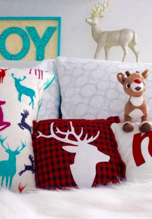 Christmas Cushions: 60 Decorating Ideas and How to Make 44