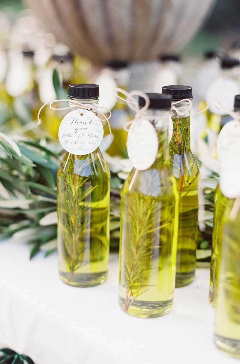 Astonishing: aromatic oils for souvenirs