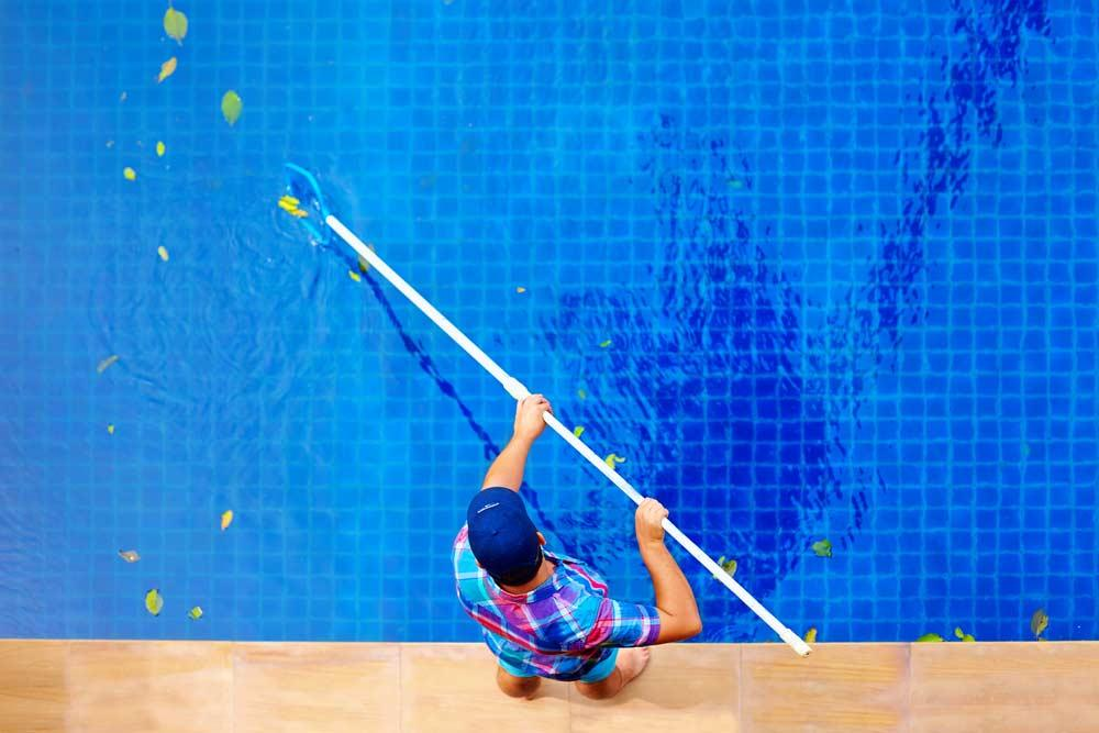 How to clean pool: step-by-step tips and periodicity