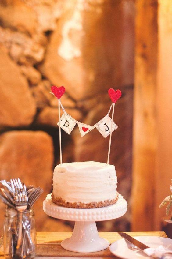 High stand for simple wedding cake