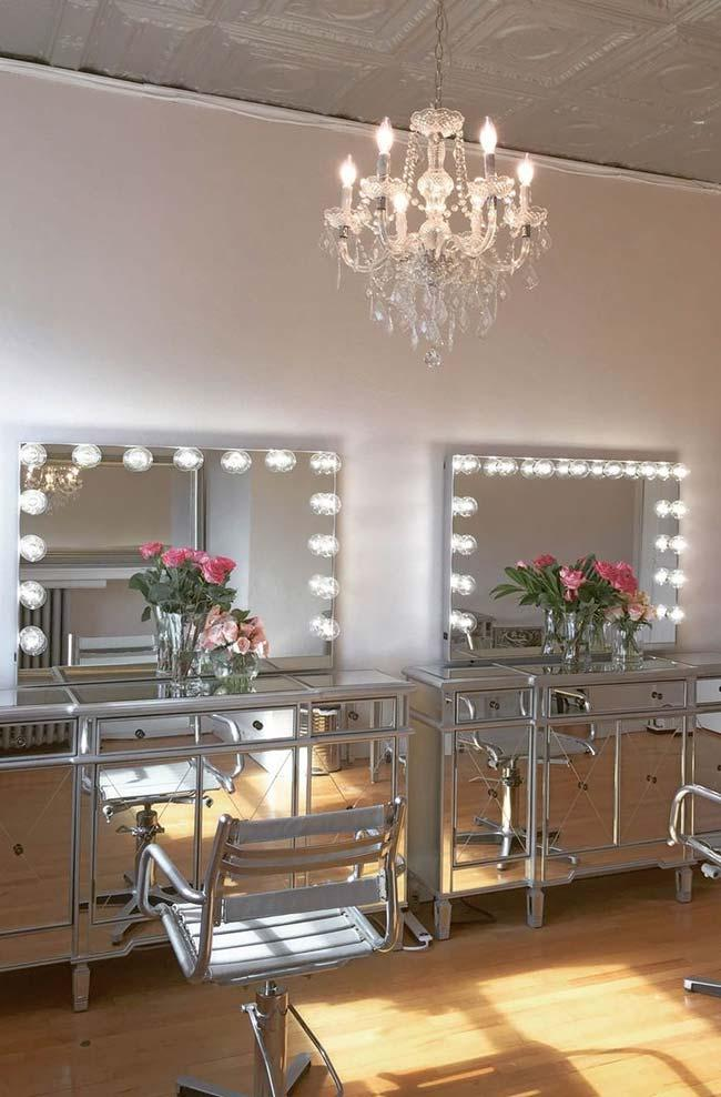 Two mirrored dressing tables in the bedroom