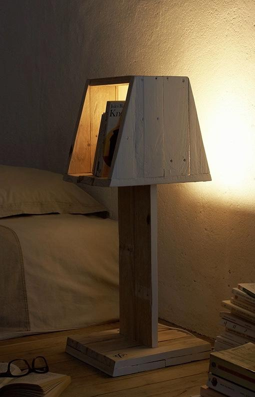 Pallet lamp with book stand