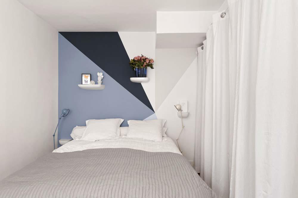 White in bedroom decoration