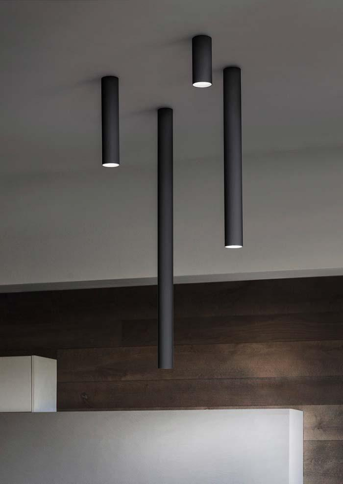 Varied sizes in ceiling lamp
