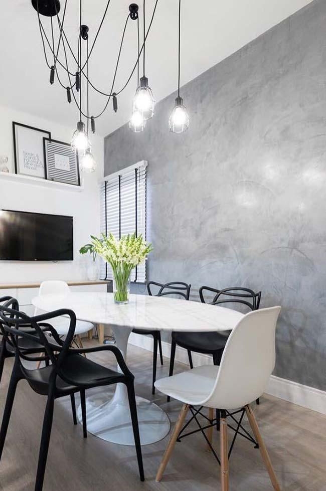 Gray Marmorato in Black and White Dining Room