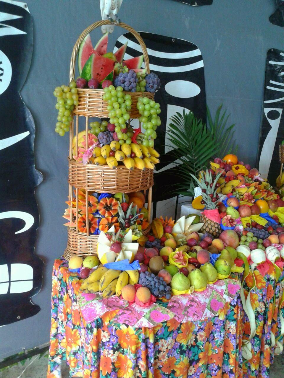 Table-of-fruits-57