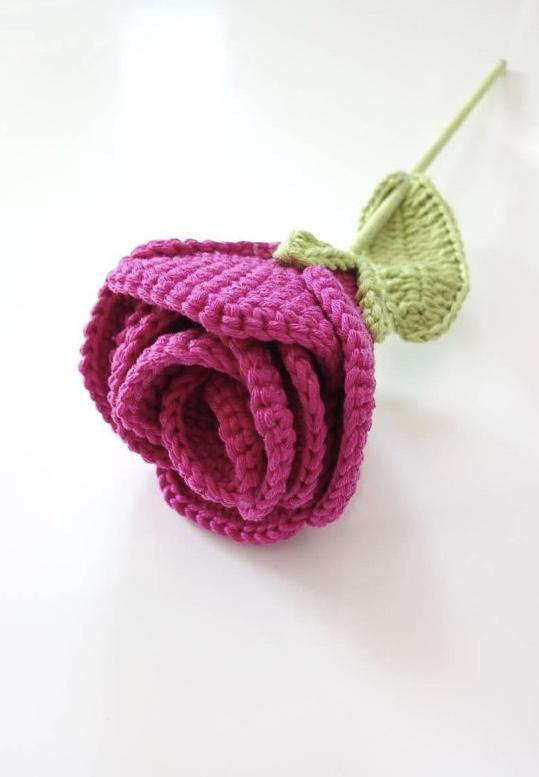 Pink button with crochet leaves