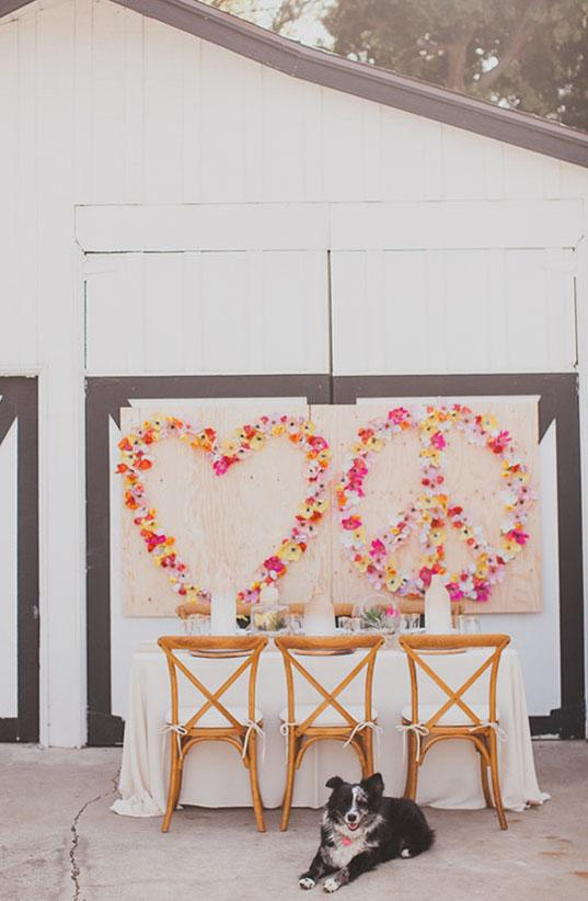 Use your imagination and make panels with flowers