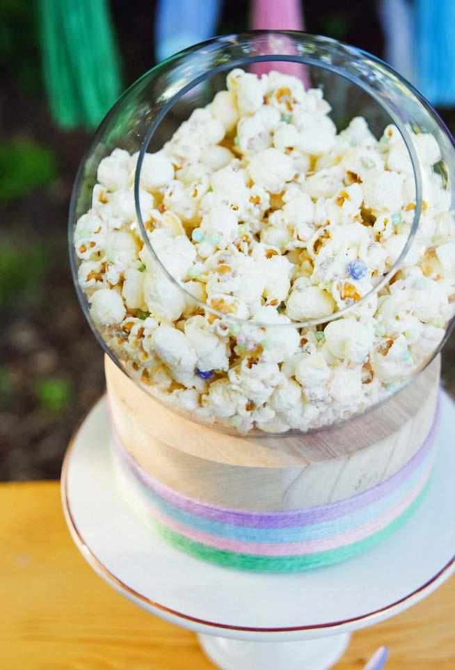 Fast and healthy snack: popcorn!