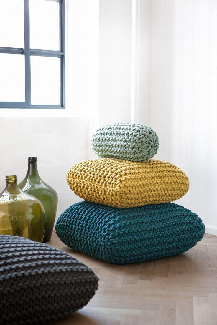 Set of three cushions made with maxxi crochet technique