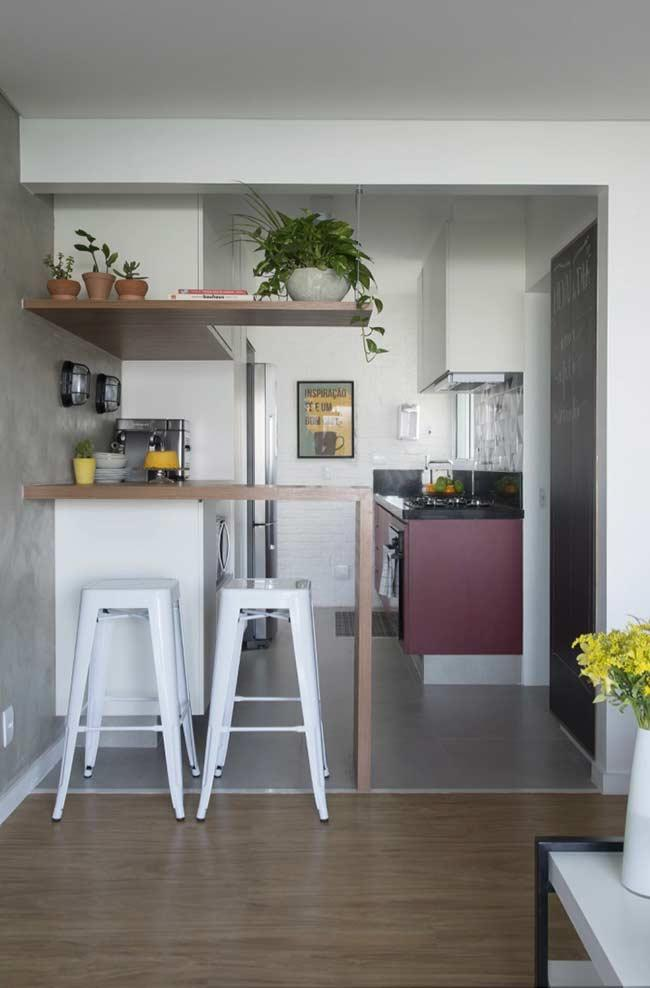 Separation between room and kitchen: each in its square