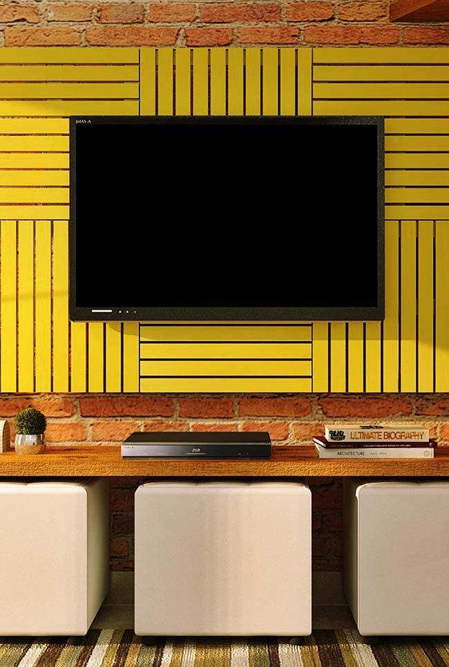 Yellow pallet tv panel
