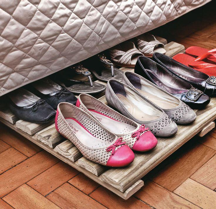 Pallet board to organize your shoes