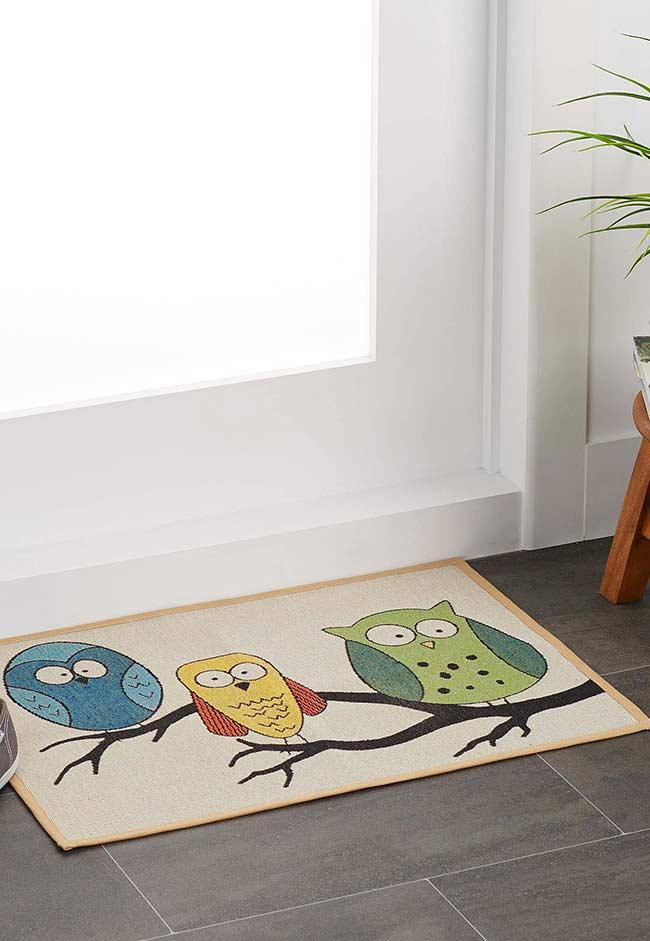 Carpet with 3 super colored owls