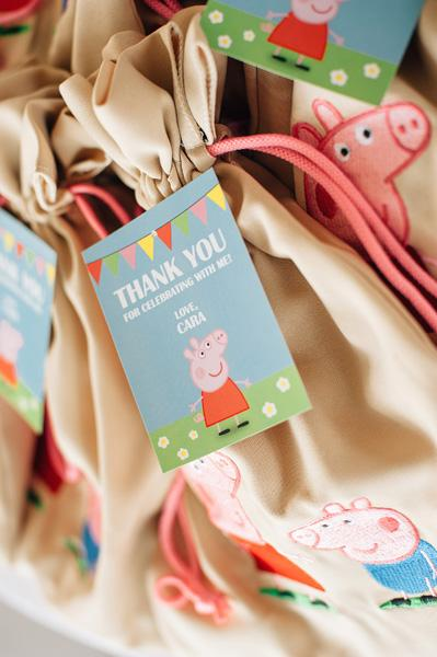 Peppa Pig Souvenirs: 50 decorating ideas and step by step 17