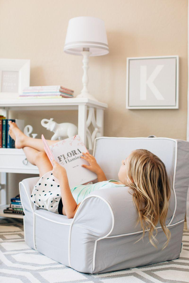 Reading Corner: 60 Decorating Ideas and How to Make 64