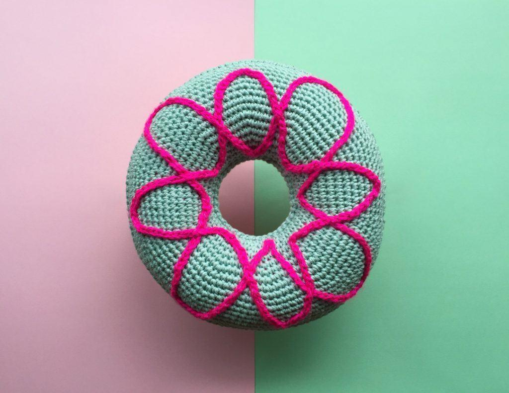 Cushion-of-croche-round-1
