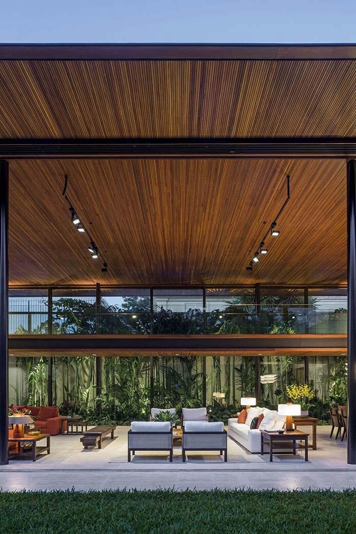 Wood lining covering a wide ceiling