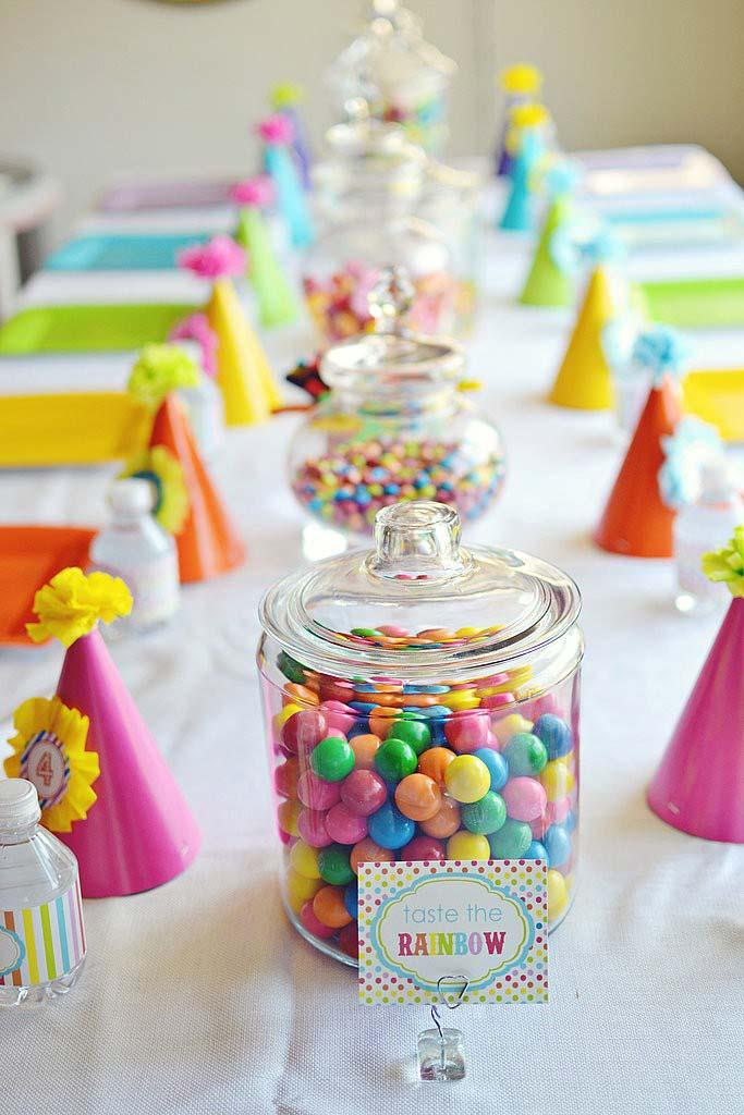 Simple children's party without characters