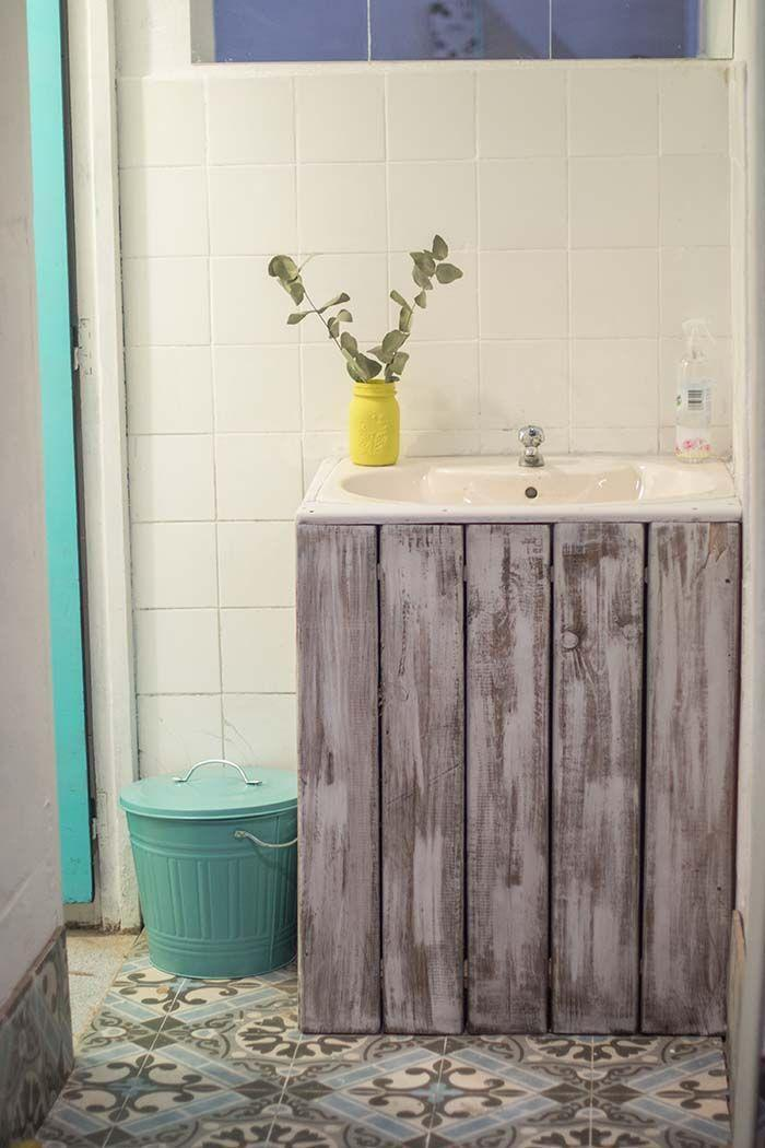Bathroom cabinet made of pallet