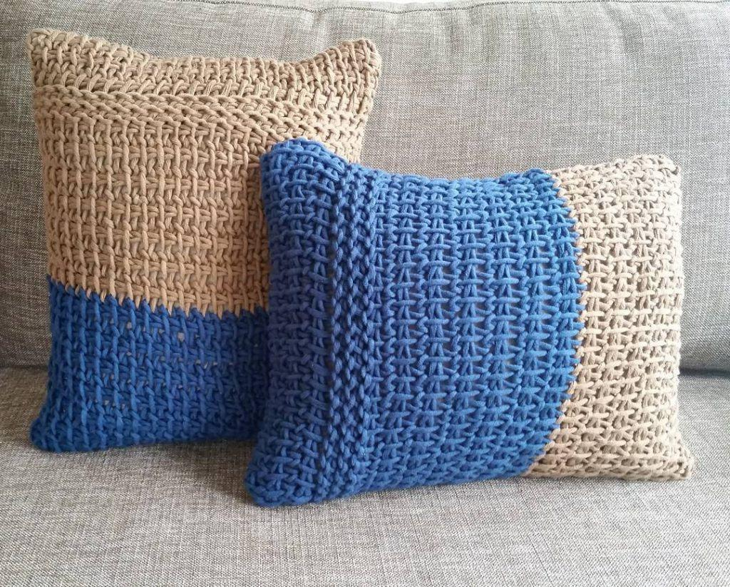 Cushion-of-croche-color-14