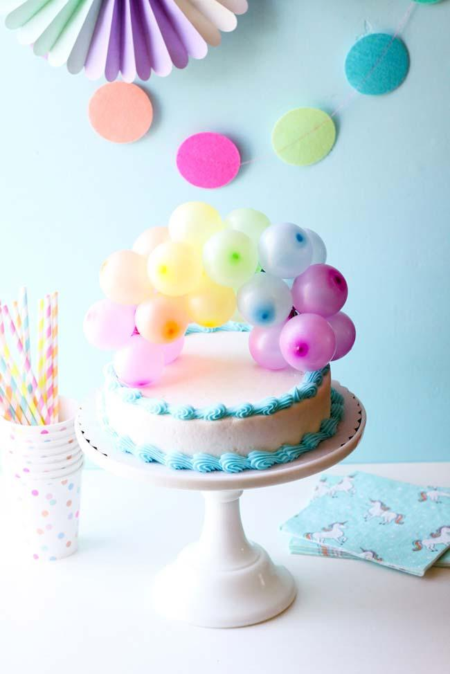 Simple child party with mini balloons