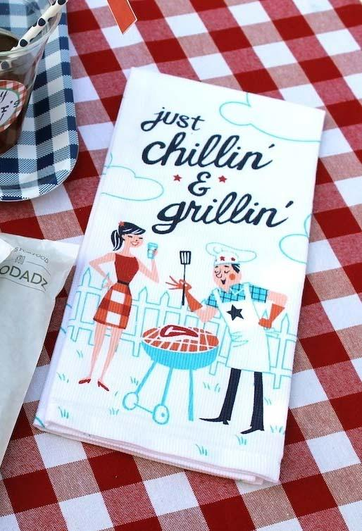 Special paper napkins with barbecue theme