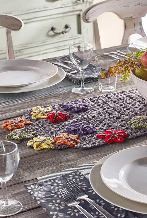 Crochet table path: current ideas to take as inspiration 2