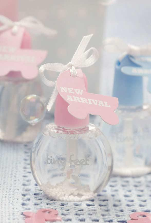 Perfumes with baby scents as souvenirs