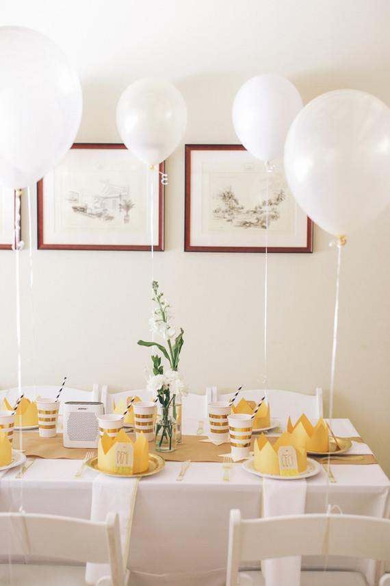 Simple children's party in the living room