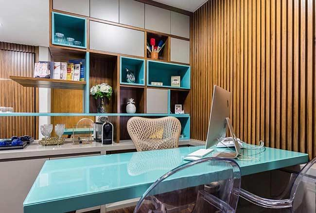 Office with blue Tiffany decoration