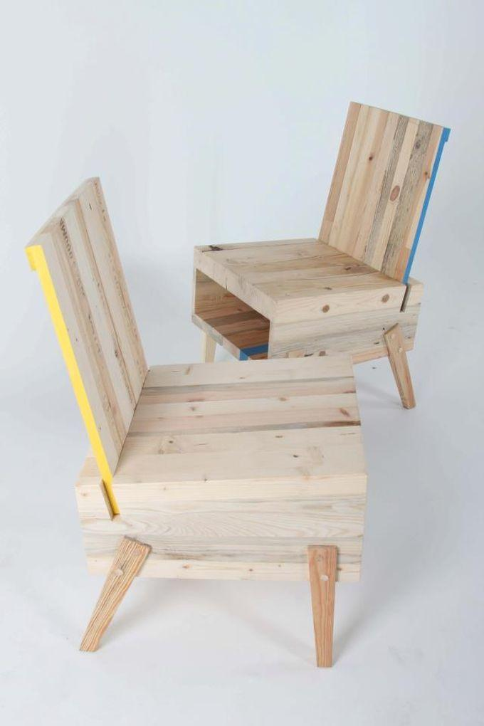 Pallet armchair in the raw color of wood