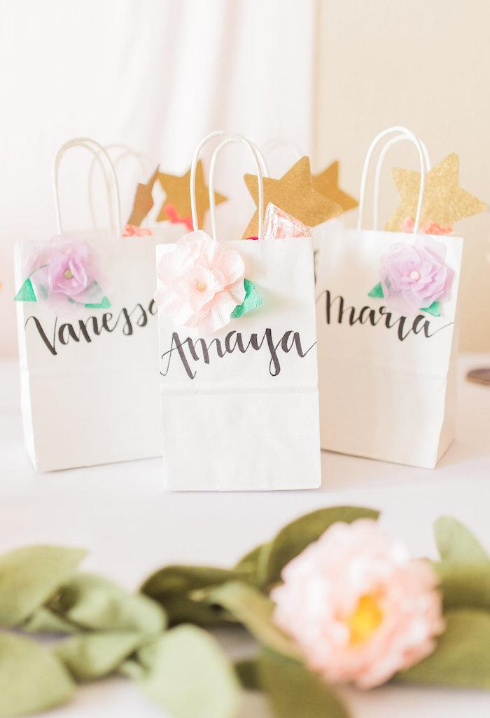 Customized paper sachets clean