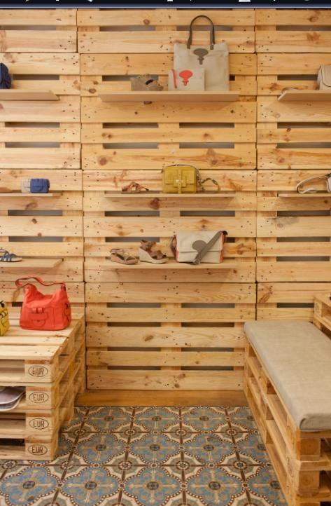 Pallet panel with shelves