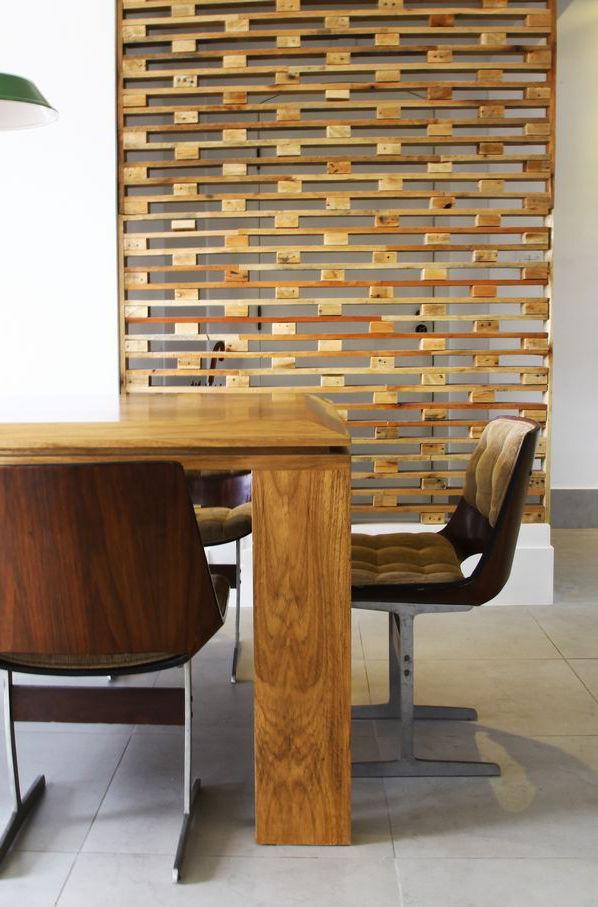 Pallet wall as room divider