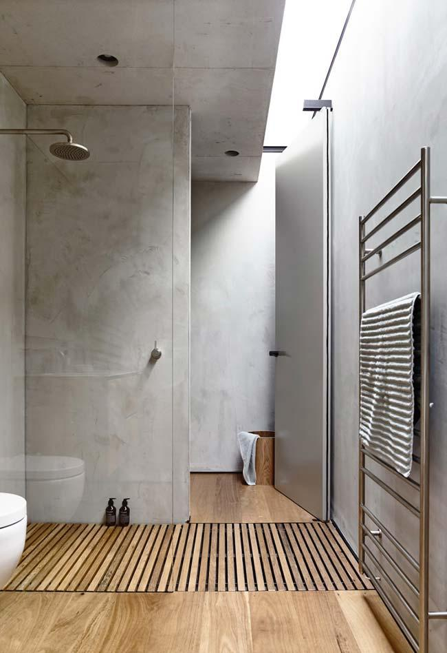Bathroom with marble effect