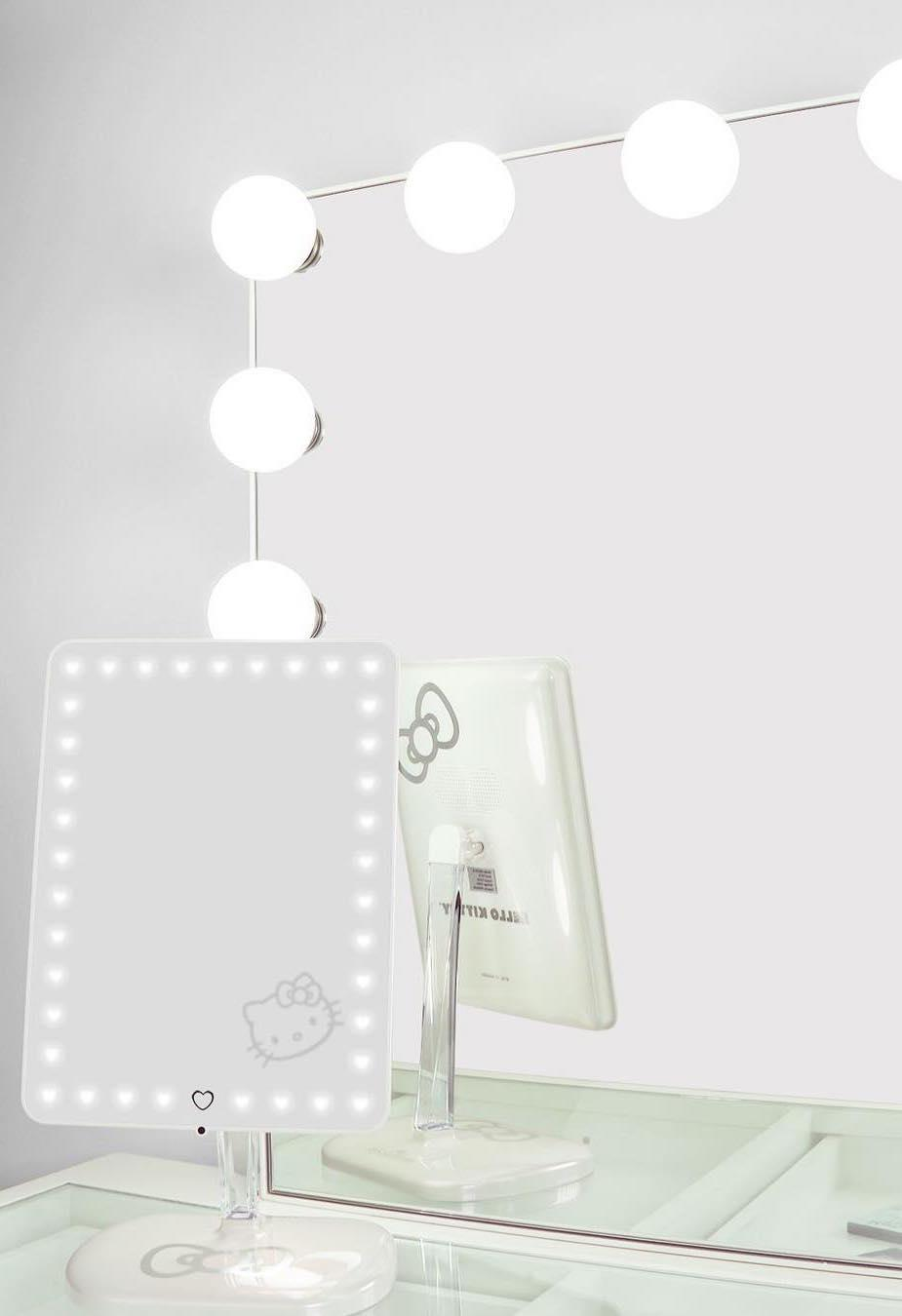 White dresser, clean and minimalist dressing table