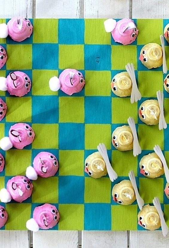 Set of checkers using material