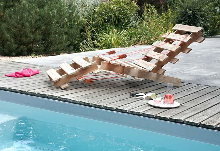 Swimming pool pallet armchair