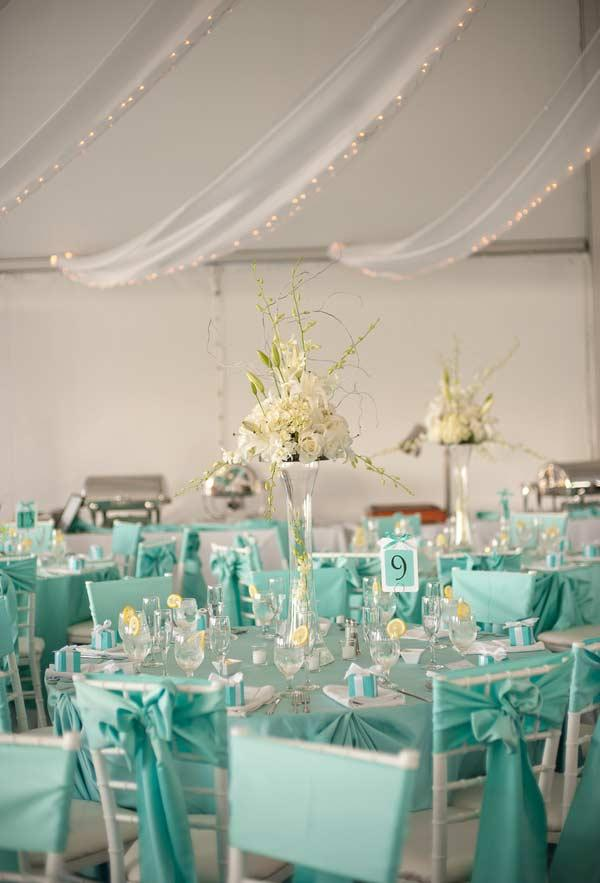 Wedding Table Decoration with Blue Tiffany