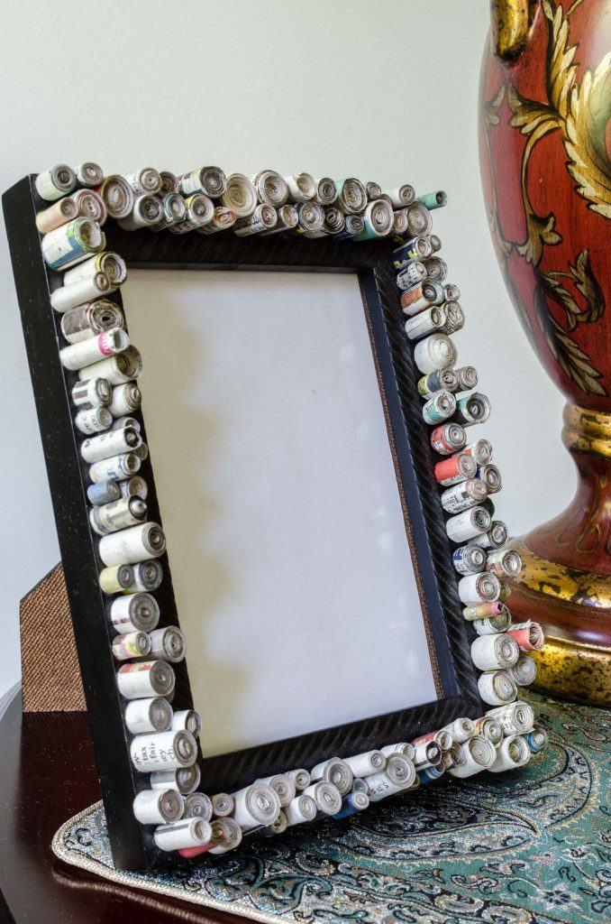 Photo frame-with-newspaper-4