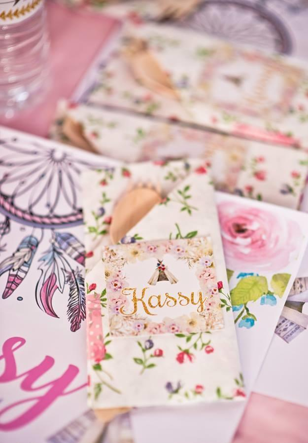Floral print to decorate the gypsy party