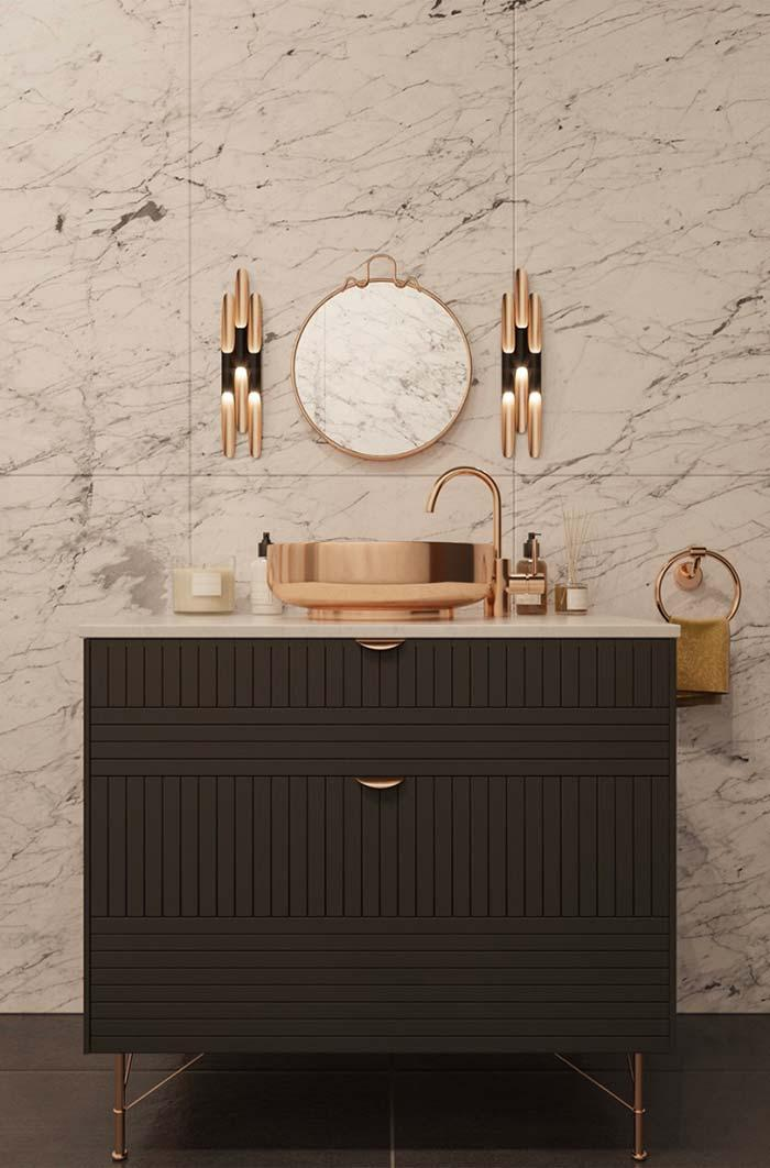 All the grandeur of the Carrara marble in the bathroom decoration
